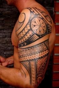 半臂纹身图腾图案 男生手臂上半壁纹身图腾图案
