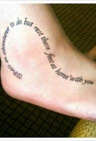 脚背纹身 女生脚背上心形和英文纹身图片