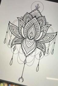 纹身莲花手稿 简单线条纹身莲花手稿
