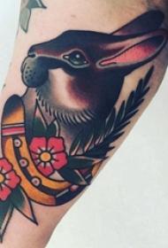 兔子纹身图案 男生手臂上兔子纹身图案