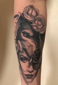 狼纹身 女生手臂上女生人物纹身图案