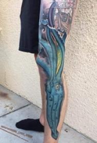 纹身腿部 男生腿部彩色的鱿鱼纹身图片