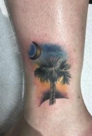 脚踝骨纹身 男生脚踝上月亮和大树纹身图片
