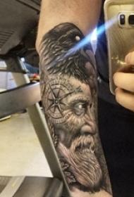 人物肖像纹身 男生手臂上人物肖像纹身老鹰纹身图案