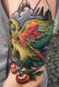 鸟纹身 男生手臂上鸟纹身小山峰纹身图片