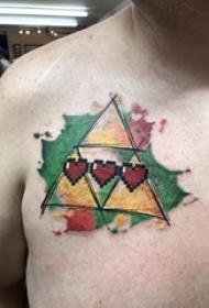 纹身胸部男 男生胸部心形和三角形纹身图片