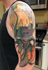 手臂纹身素材 男生手臂上帆船和章鱼纹身图片