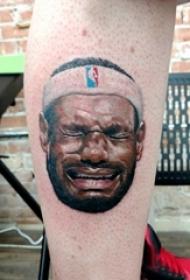 人物肖像纹身 男生小腿上人物肖像纹身彩色纹身图片
