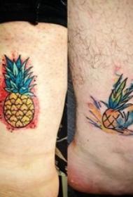 小腿对称纹身 男生小腿上彩色的菠萝纹身图片
