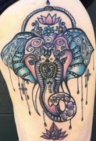 纹身象神图案 女生大腿上彩色的象神纹身图片