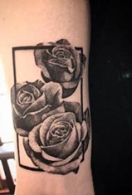 欧美玫瑰纹身 女生手臂上几何和玫瑰纹身图片