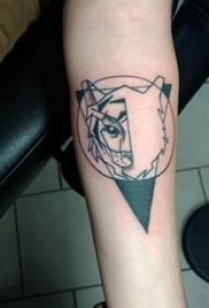 几何动物纹身 女生手臂上黑色的几何动物纹身图片