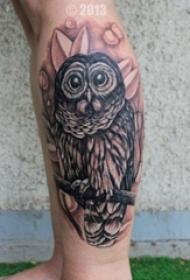 多款彩色个性的猫头鹰纹身