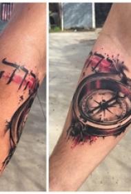 纹身指南针 男生手臂上经典的指南针纹身图片