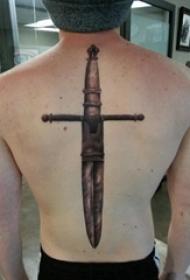 欧美匕首纹身 男生背部欧美匕首纹身图案