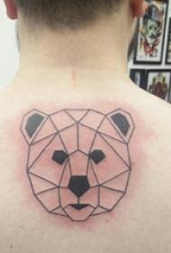 后背纹身男 男生后背上黑色的熊纹身图片