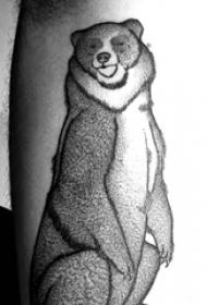 小腿对称纹身 男生小腿上黑色的熊纹身图片