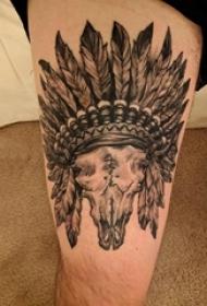 印第安酋长纹身 男生大腿上黑色的印第安纹身图片