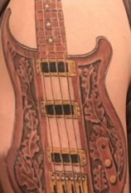 双大臂纹身 男生大臂上彩色的吉他纹身图片