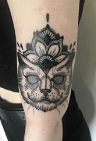 小猫咪纹身 女生手臂上小猫咪纹身唯美图片