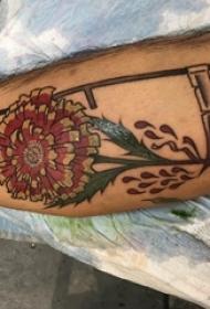 纹身菊花图案 男生小腿上菊花纹身图案