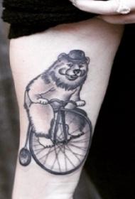 熊纹身 女生手臂上熊纹身图片
