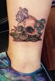 脚踝骨纹身 女生脚踝上晶石和骷髅纹身图片