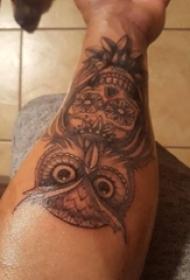 纹身猫头鹰 男生手臂上猫头鹰纹身图片