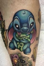 纹身卡通 男生小腿上彩绘的卡通人物纹身图片