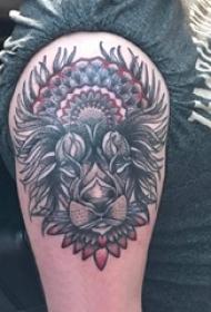 小狗纹身图片 男生手臂上动物纹身小狗纹身图片