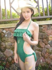 清纯少女清纯图片 90后的MM私房照绝色美女色诱 露出胸部的美女