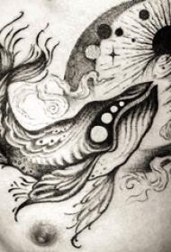 纹身胸部男 男生胸部星球和鲸鱼纹身图片