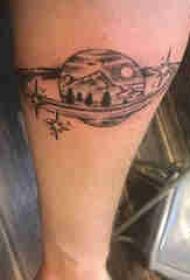 手臂纹身素材 男生手臂上风景和星球纹身图片