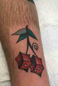 植物纹身 男生小腿上彩色的几何樱桃纹身图片