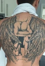 后背纹身男 男生后背上黑色的天使纹身图片