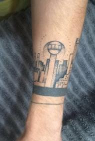 欧美手腕纹身 男生手腕上黑色的建筑物纹身图片