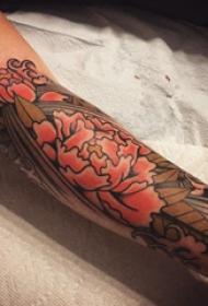 花朵 纹身图案 女生手臂上彩色花朵纹身图案