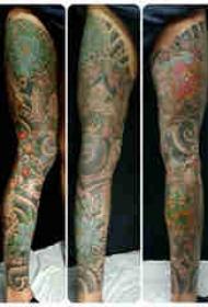 日本纹身 女生腿部日本传统纹身图案