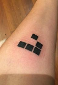 纹身几何 女生手臂上几何纹身图片