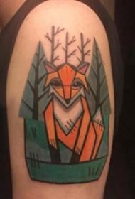 大臂纹身图 男生大臂上树和狐狸纹身图片
