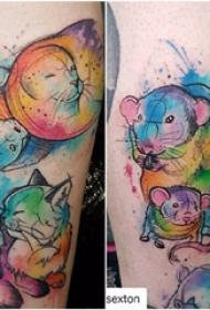 彩色渐变纹身 女生小腿上彩色渐变纹身图片