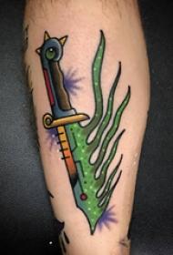 欧美小腿纹身 男生小腿上彩色的匕首纹身图片