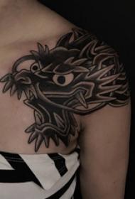 肩膀简约纹身 女生肩部黑色的龙纹身图片