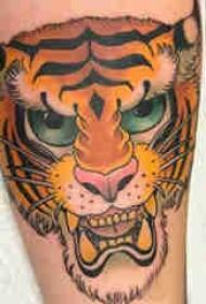 小动物纹身 男生小腿上彩色的老虎纹身图片