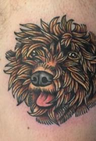 纹身大腿男 男生大腿上彩色的小狗纹身图片