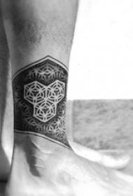 几何纹身 多款简单线条纹身素描几何纹身图案