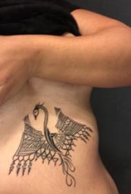 飛龍紋身圖 男生側肋上飛龍紋身圖案