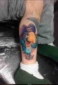百乐动物纹身 男生小腿上彩色的鹦鹉纹身图片