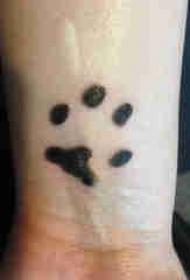 狗爪纹身 男生手腕上狗爪纹身图片