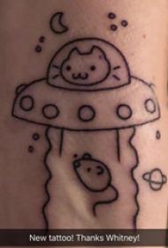手臂纹身素材 男生手臂上小动物和飞碟纹身图片